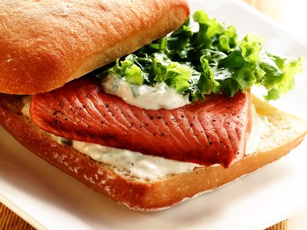 бутерброды с сёмгой и сливочным сыром