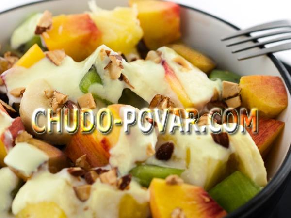фруктовый салат с йогуртом, фруктовый салат рецепт с фото