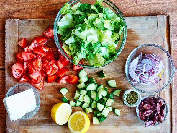 Ингредиенты на греческий салат