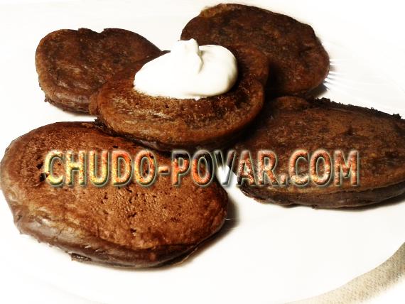 Шоколадные оладьи рецепт с фото