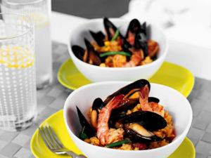Паэлья с морепродуктами классическая