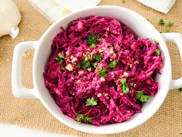 Салат с варёной свеклой и сыром