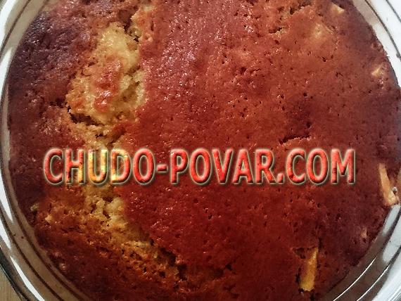 шарлотка на кефире с яблоками рецепт с фото