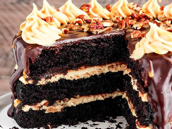 Шоколадный торт со сметанным кремом (бисквитный торт)
