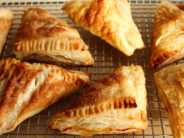 слойки с яблоками в духовке рецепт с фото