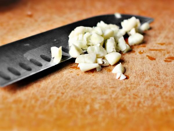 Учимся готовить с Наташей Скворцовой – паста с соусом песто