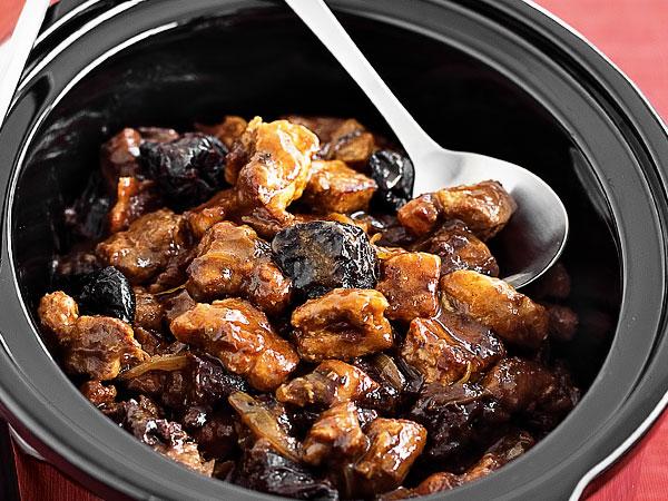 Свинина с черносливом на сковороде рецепт с фото