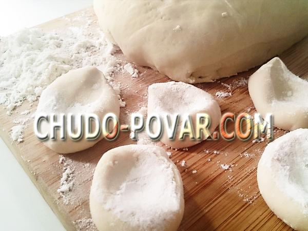 Заварное тесто для вареников с картошкой и грибами