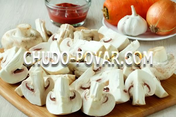 Свинина тушёная с картофелем на сковороде