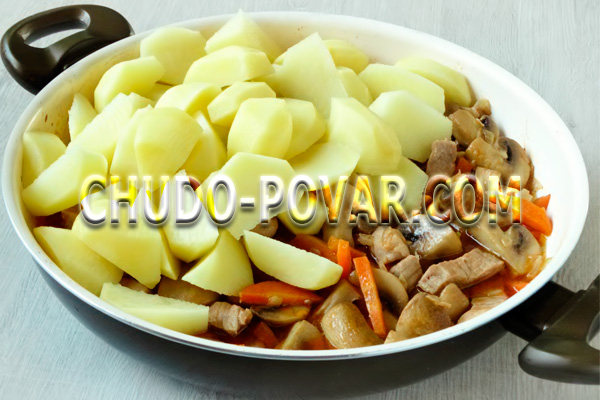 Как приготовить мясо с картошкой в сковороде