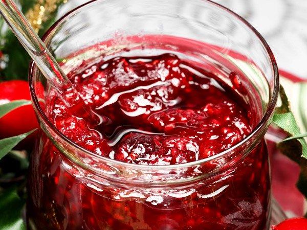густое варенье из малины с целыми ягодами на зиму