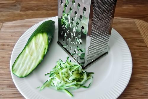 фото приготовления драники из кабачков рецепт шаг 1
