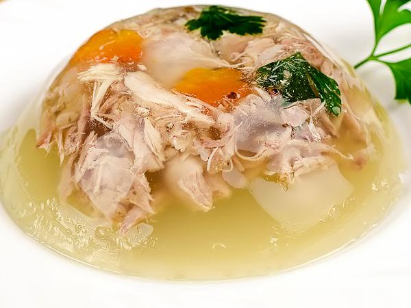 фото приготовления свиной холодец из ножек и курицы рецепт