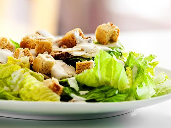 Как приготовить салат с курицей