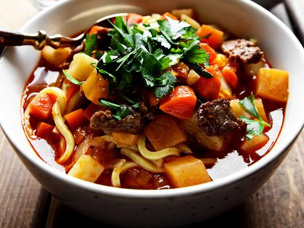 как вкусно приготовить цезарь с креветками