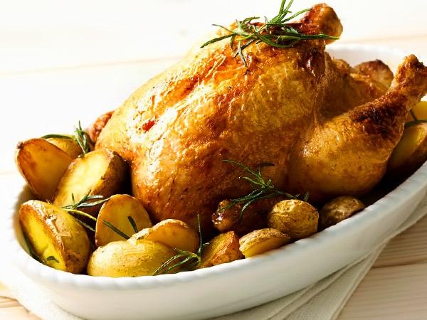 курица в духовке с картошкой, майонезом и чесноком