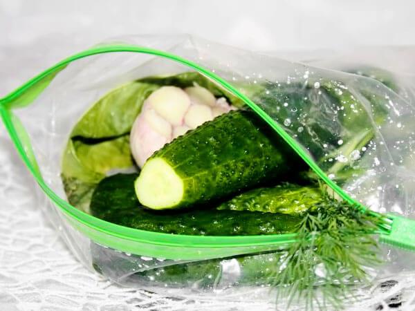 Рецепт малосольных огурцов в пакете с фото