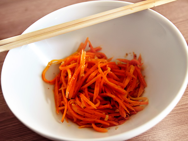 Как быстро приготовить морковь по-корейски
