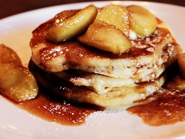 Оладьи с яблоками - кулинарный рецепт, Чудо-Повар
