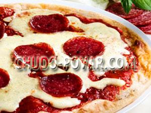 Рецепт пиццы с колбасой и сыром