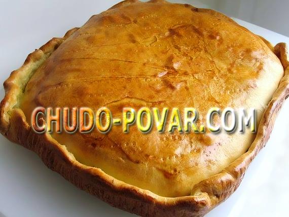 Пирог с лососем из дрожжевого теста