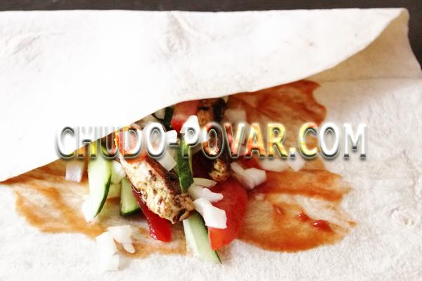 фото приготовления домашняя шаурма с курицей шаг 7