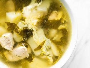 Суп щавелевый с курицей и яйцом
