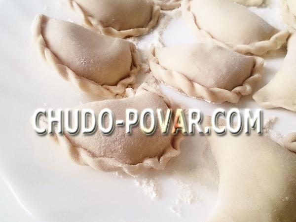 Как варить вареники с картошкой и грибами