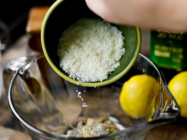 для густоты заправки добавляем тёртый сыр