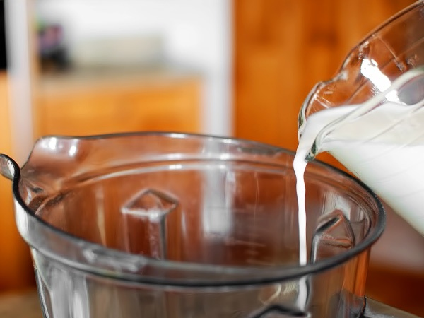 фото тоненькие блинчики на молоке рецепт приготовления шаг 2