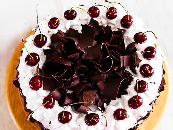 Рецепт торта Пьяной вишни в шоколаде