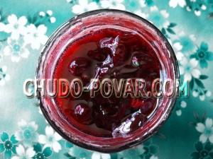 вишневое варенье с косточками